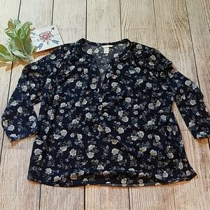 Lovely floral 3/4 sleeve blouse from H&M